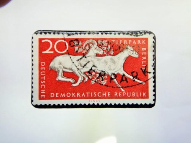 ドイツ 切手ブローチ881