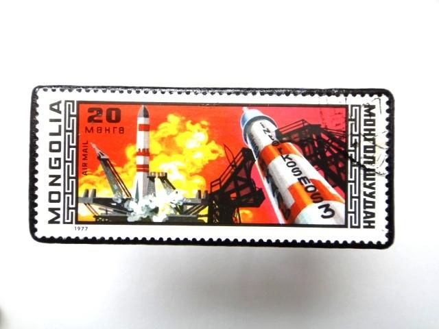 モンゴル 宇宙切手ブローチ884