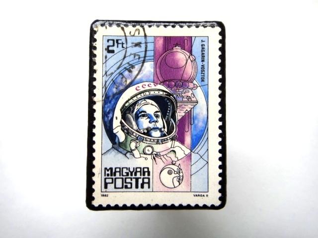 ハンガリー 宇宙切手ブローチ891
