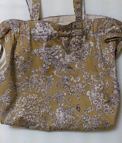 ギャザー&リボン の布バッグ