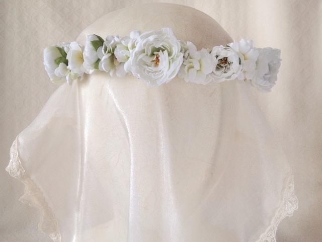 染め花の花冠(ホワイト&グリーン)