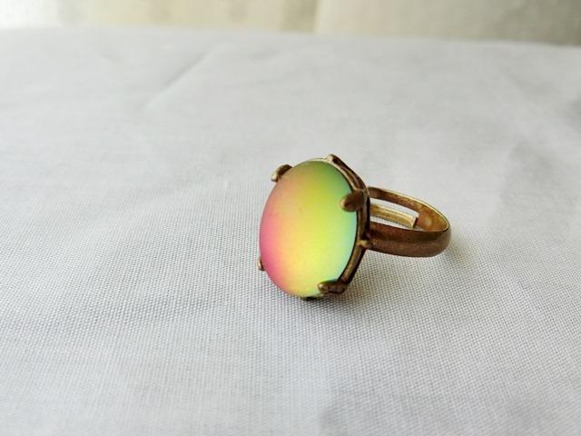虹色プラムのリング