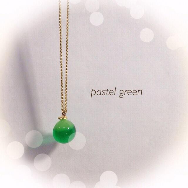【再販】 R40 一粒のしずく☆ガラス玉のネックレス グリーン