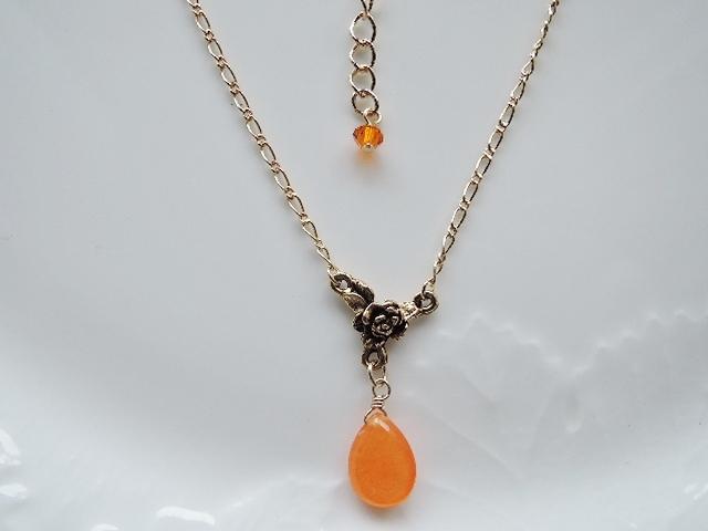 ☆オレンジカラージェード ネックレス(712)