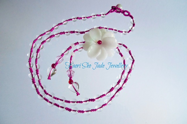 フラワージェイドネックレス/heart & round crystal beads/jade beads/ rose pink Asian knot code