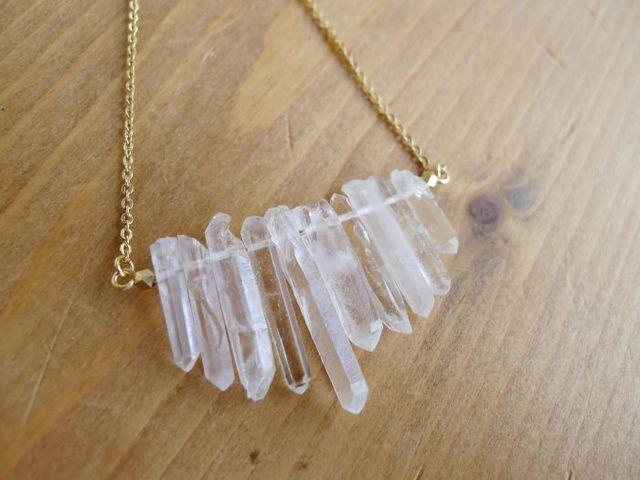 水晶原石の氷砂糖ネックレス