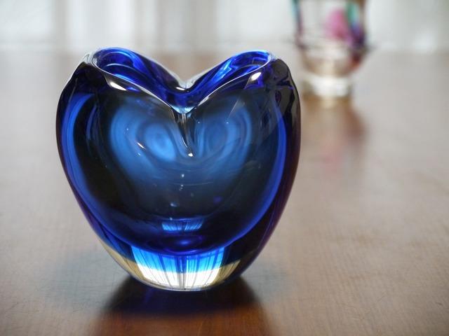 ブルーのハートの花器