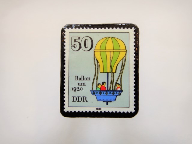 ドイツ おもちゃ切手ブローチ899