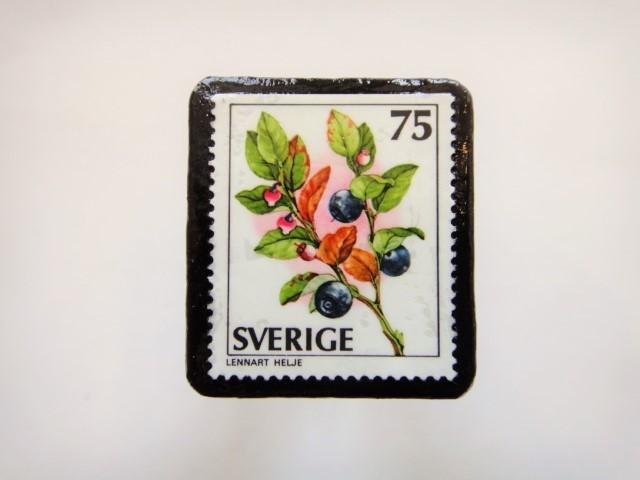 スウェーデン 木の実切手ブローチ900
