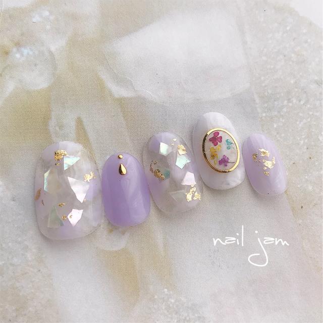 淡い紫色の押し花ネイル 〜ネイルチップ ブライダル 紫 ドライフラワー 〜