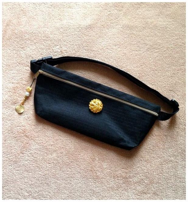 a53e66aaed ウエストポーチ◇大きなゴールドボタン◇お財布やスマホケースにも♪携帯 小銭入れ◇ブラック