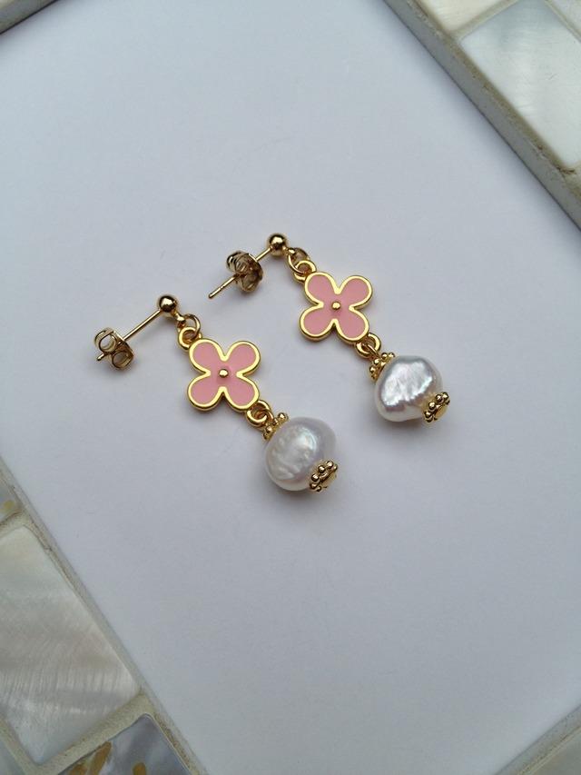 パールとお花のピアス(ピンク)