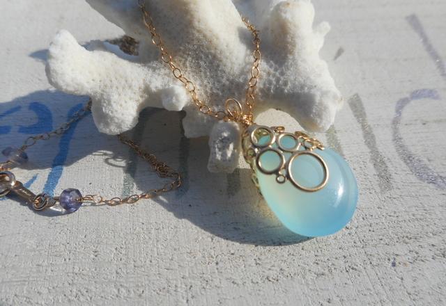 海の泡カルセドニードロップのネックレス 14kgf Blue