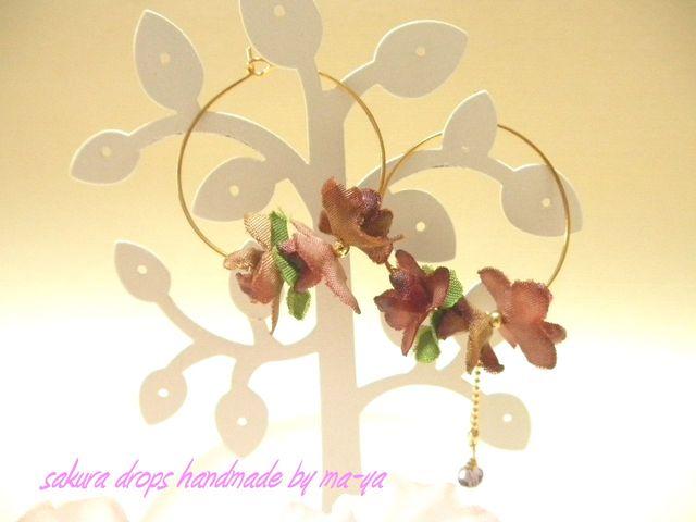 小花のフープピアス