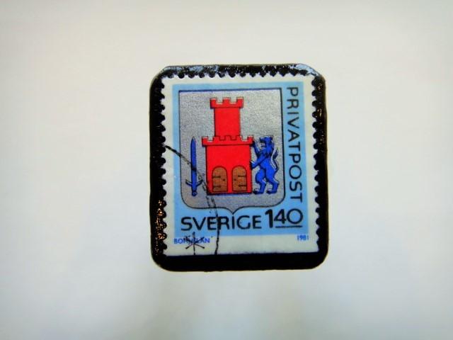 スウェーデン 紋章切手ブローチ914