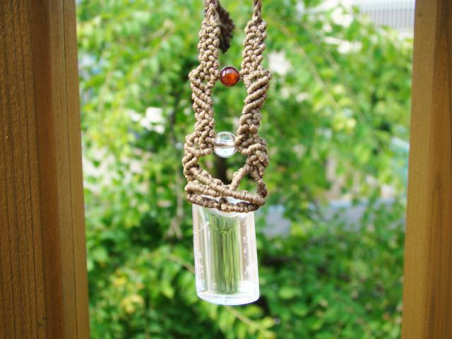 天然石水晶とオレンジガーネット マクラメ編みネックレス