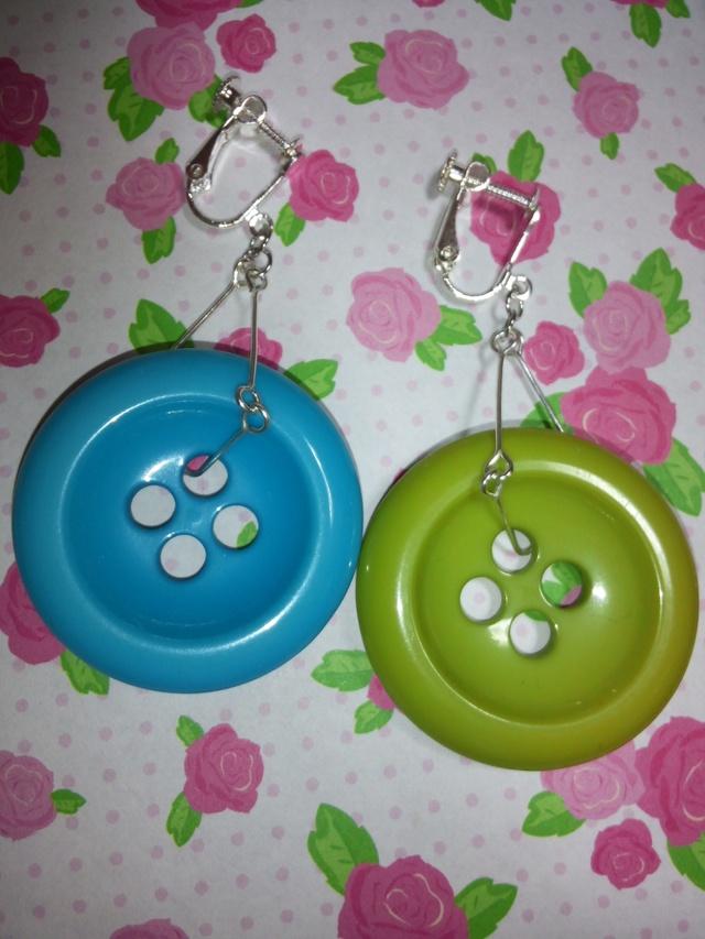 ★イヤリング★ボタン★緑★水色★シルバー★