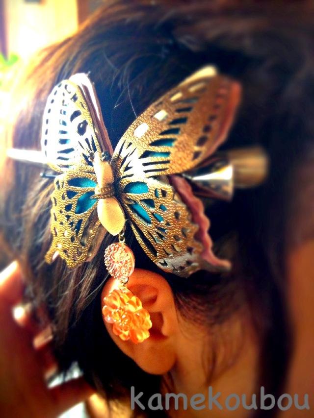 蝶の髪留め