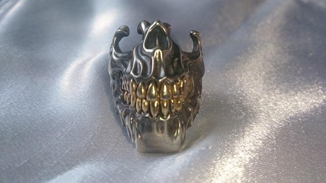 顎スカルリング(歯部分18金メッキ)