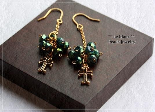 アンティーククロスピアス(green&gold)