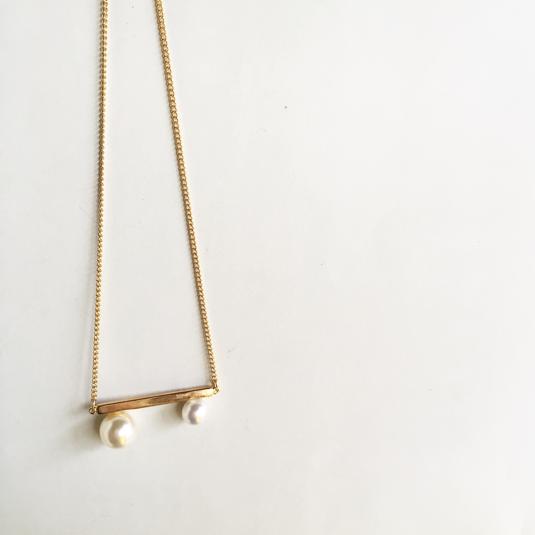 pearl×ゴールドバーネックレス
