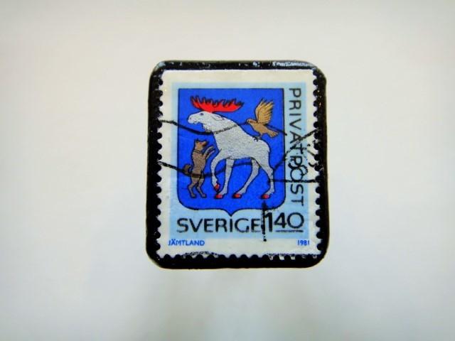 スウェーデン 紋章切手ブローチ918