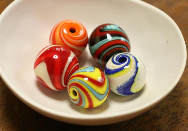 5個セット glass beads (とんぼ玉)流紋1