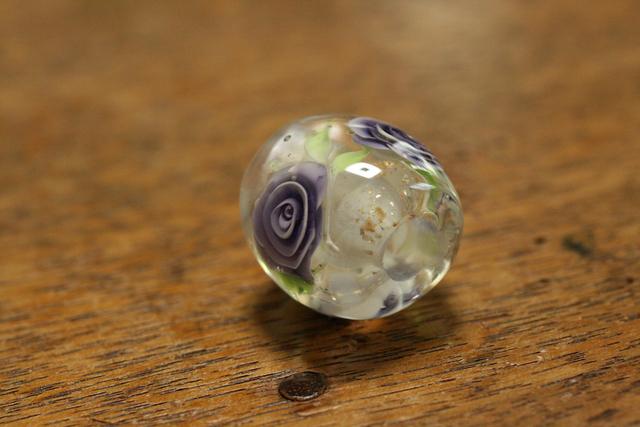 アウトレット glass beads (とんぼ玉)クリア/紫薔薇