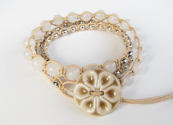 wrap bracelet (khaki flower, white jade)