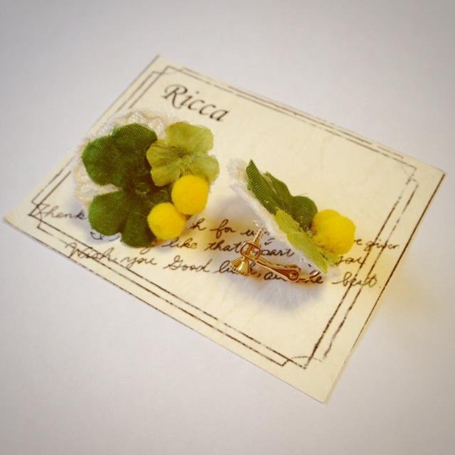 ミモザと三つ葉のイヤリング