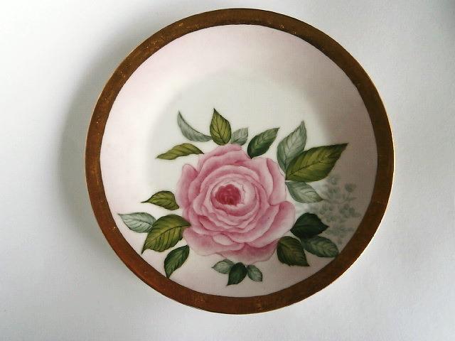 バラの絵皿