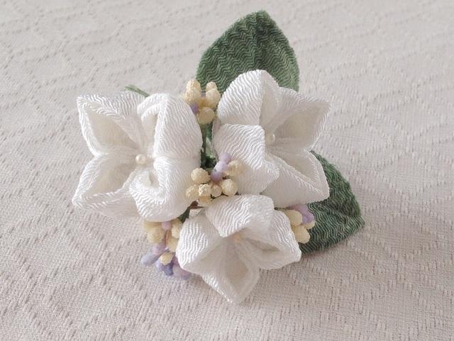 〈つまみ細工〉紫陽花の髪飾り(小・白)