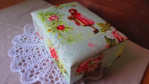 ヴィクトリア調赤ずきん柄布箱GR/大きめサイズ