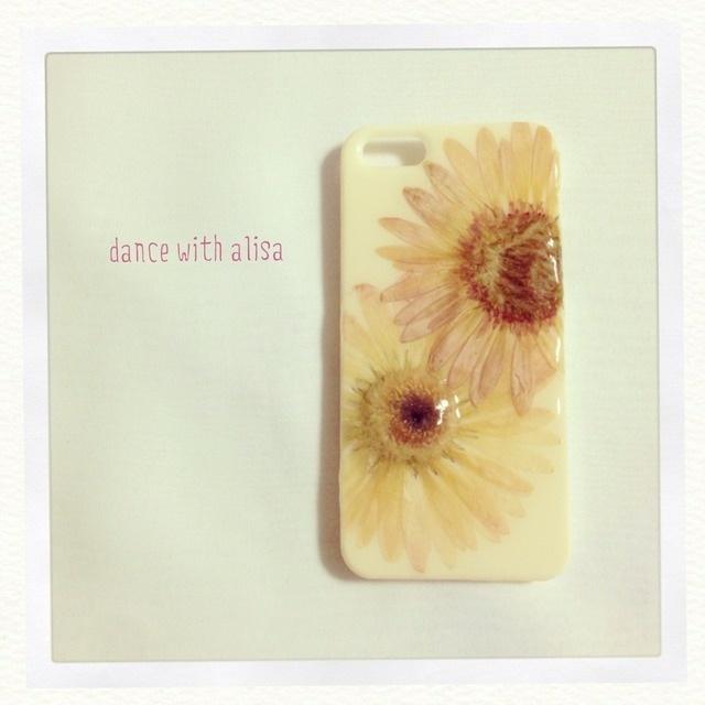 iPhoneケース《年上の女(ひと)》