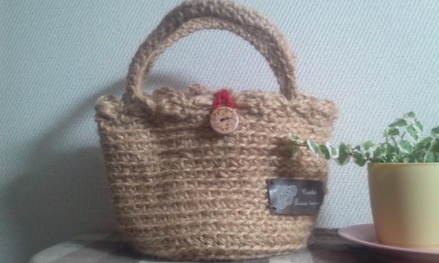 麻ひもで編んだミニミニバッグ