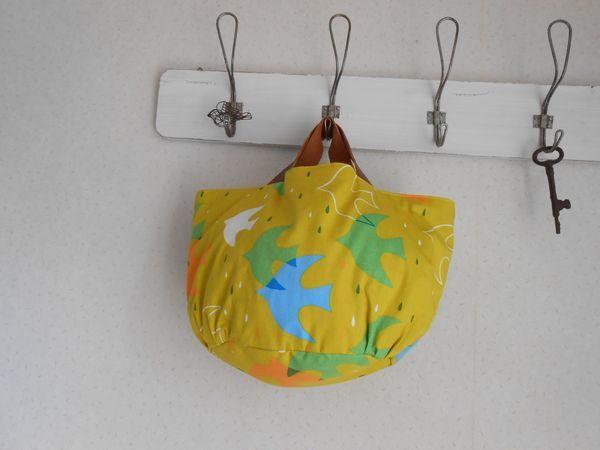 とりとしずくのマルシェ型BAG♪本革:北欧風:黄緑