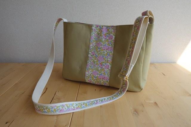 リバティ Franwin(フランウィン)×帆布のショルダーバッグ