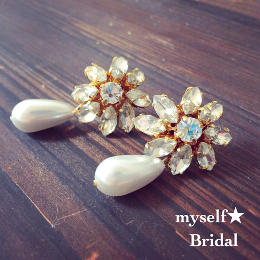 Bridal bijou flowerピアス
