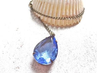 ヴィンテージサファイアブルーグラスのネックレス