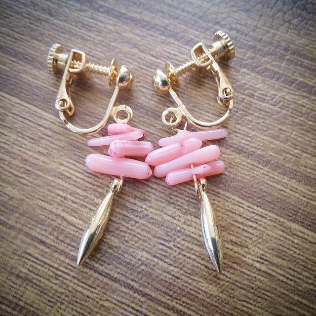 桃色珊瑚ミニリーフ☆イヤリング