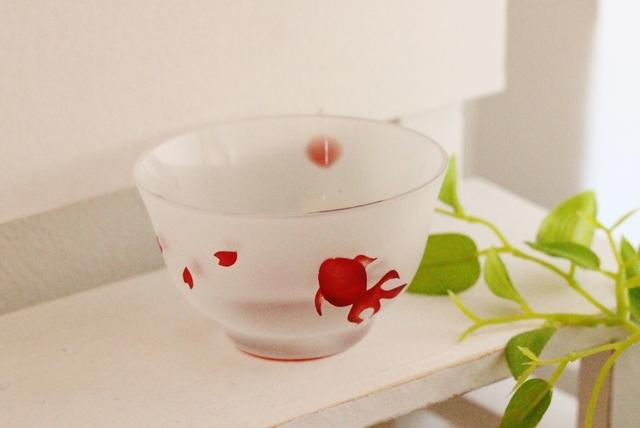 〜fish&flower〜金魚と舞う桜の小さめおちょこ