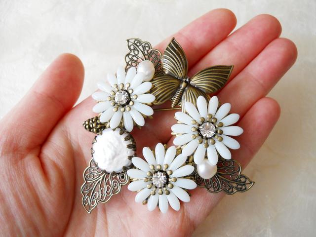 【ぶらん】マーガレットと淡水パールのお花ブローチB