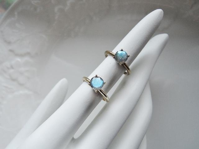 (740)17.3.20再入荷しました!☆高品質宝石質 天然石の指輪 4爪リング ラブラドライト☆ラブラドレッセンス多めのルースです(^^♪