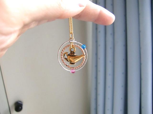 魔法のランプのネックレス