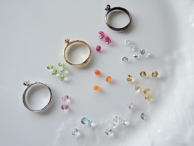 セール!すずらんリング☆小さなルースの指輪です☆9種類の中からお選びくださいね(^^♪(744)