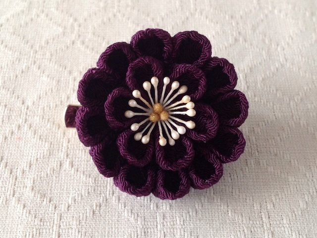 〈つまみ細工〉丸つまみ2段の2way(紫)