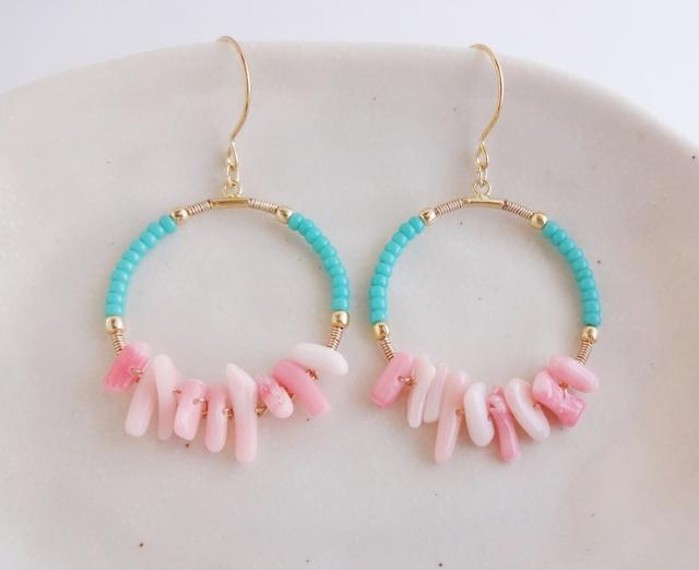 ピンク珊瑚のフープピアス