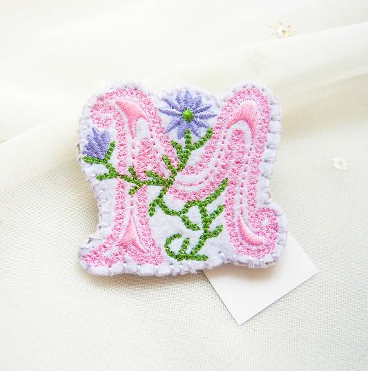 刺繍ブローチ(M)