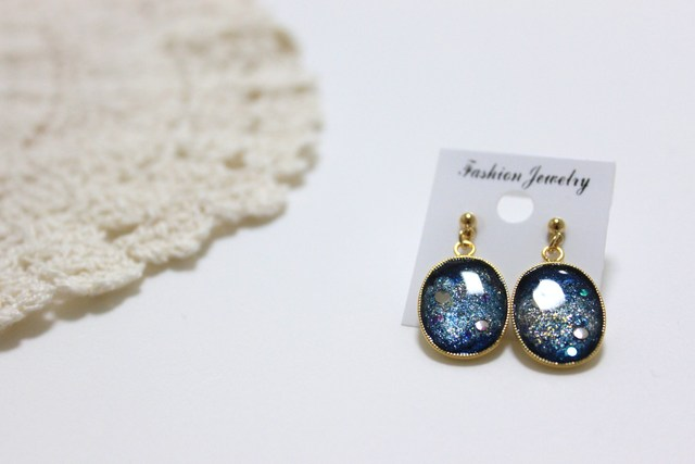 【sold out】宇宙塗りセッティングピアス #1