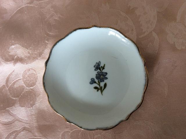 小花模様の小皿